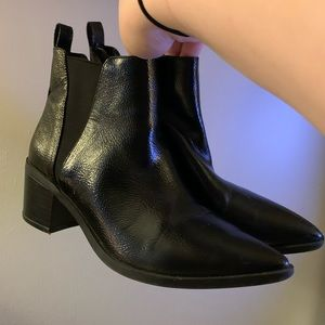 Point toe booties